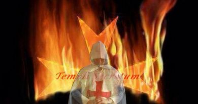 Templer mit Flamme